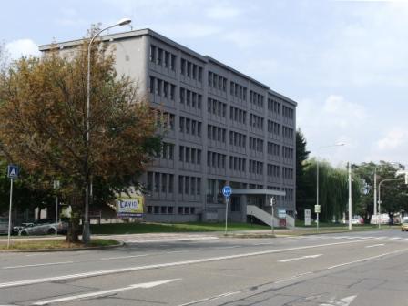Administrativní panelákova budova